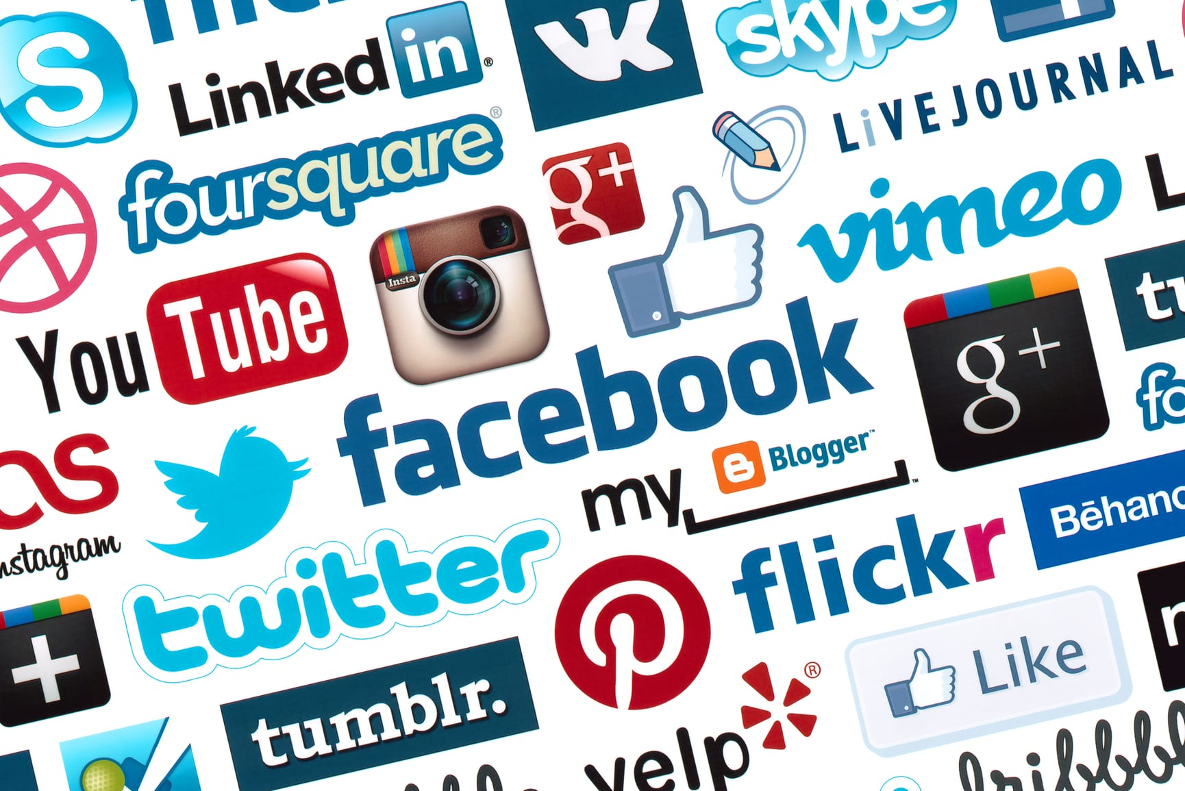 4 Social Media Updates to Make Right Now